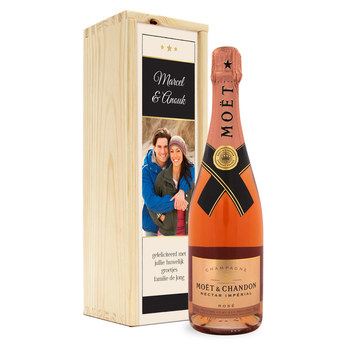 Champagne in bedrukte kist - Moët & Chandon Nectar rosé (750ml)