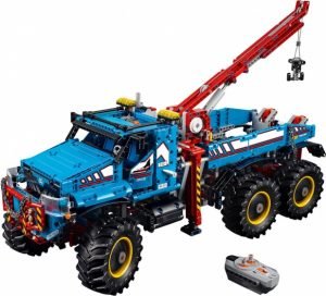 LEGO Technic: 6×6 all terrain sleepwagen (42070) ( 250.00 EUR)